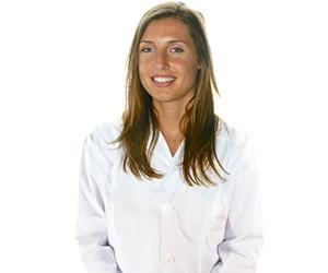 La Dra. Anna Auladell Bernat es ortodoncista en Ortodoncia Tres Torres