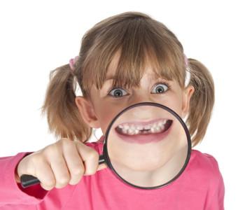 ¿Cómo influyen los malos hábitos en la fisiología bucal?