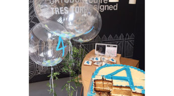 En Ortodoncia Tres Torres Barcelona cumplimos 4 años disfrutando de esta deliciosa tarta que compartimos con vosotros