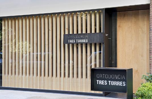 Ortodòncia Tres Torres Barcelona clínica entrada