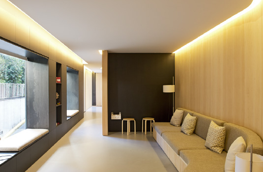 Orthodontics Tres Torres Barcelona clinic waiting room