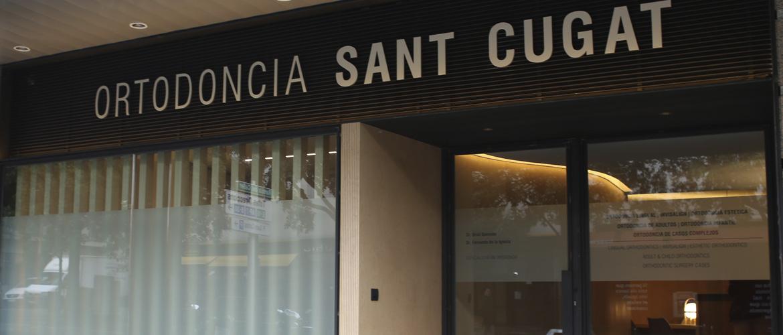 Ortodoncia Tres Torres Barcelona instalaciones clínica entrada