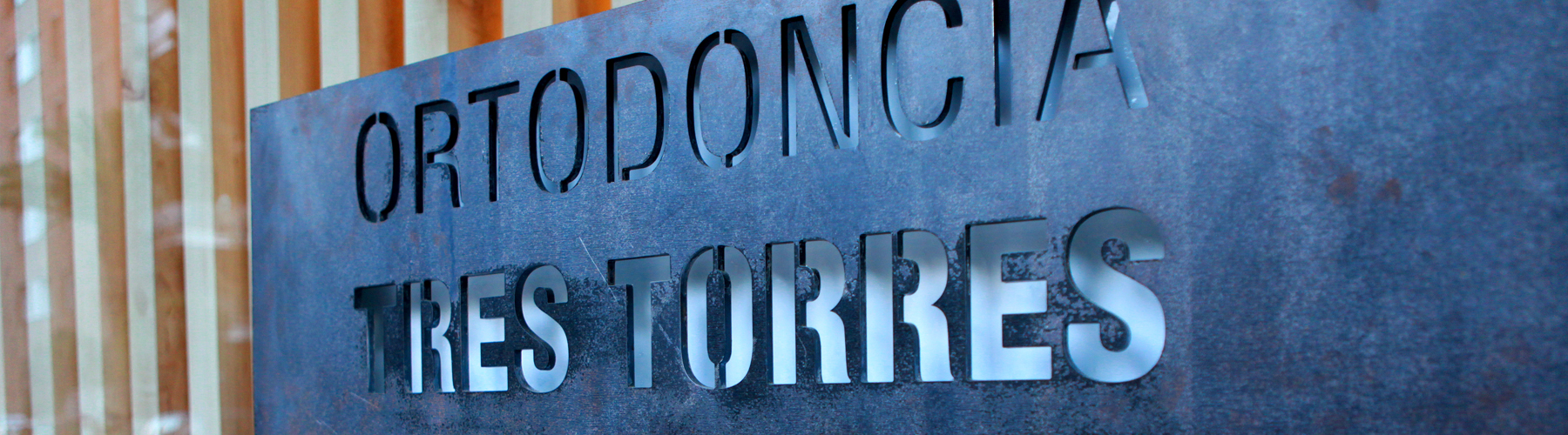 Ortodoncia Tres Torres Barcelona clínica entrada