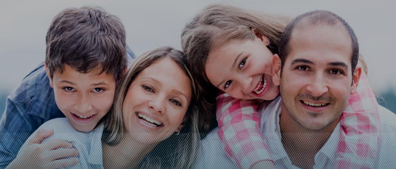 Ortodoncia Tres Torres Barcelona familia sonriente
