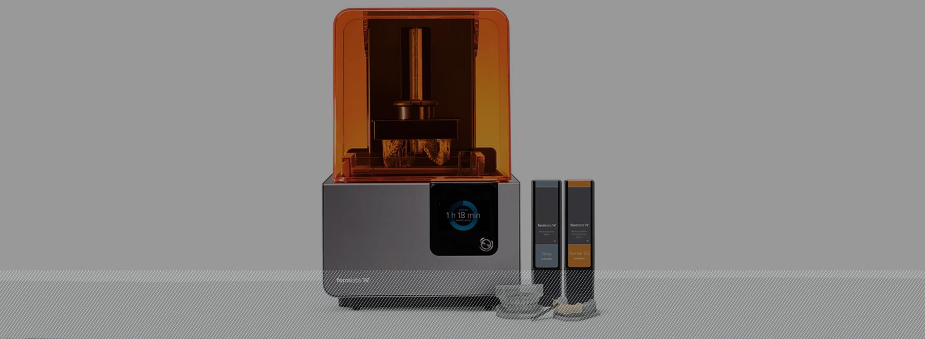 La impresora 3D de Ortodoncia Tres Torres Barcelona imprime físicamente en resina el modelo dental virtual